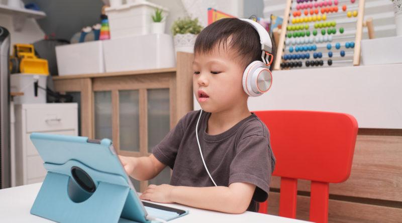 Piosenki o przedszkolu z YouTube  – jak przygotować dziecko na pierwszy dzień w przedszkolu