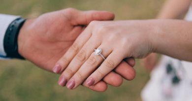 Jak wybrać pierścionek zaręczynowy? 12 przydatnych rad